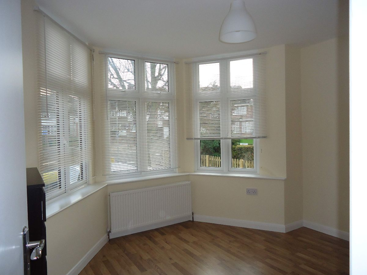 1 Bedroom Flat in NeasdenFlat   Apartment to Rent for up to  300 per week   London. London 1 Bedroom Flat Rent. Home Design Ideas